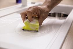 Rengjøring av en BLANCO Silgranit vask
